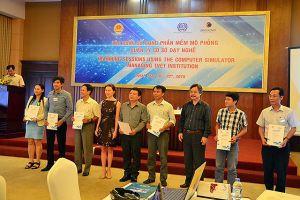 СКОЛКОВО: Бизнес-школа СКОЛКОВО провела во Вьетнаме тренинг для руководителей колледжей на базе компьютерного симулятора
